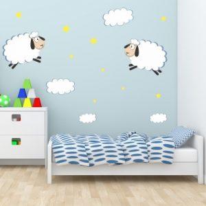 Stenska nalepka Ovčki z oblaki in zvezdami